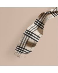 Burberry | Black The Classic Cashmere Scarf In Check Natural White | Lyst