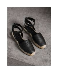 Burberry - Black Embossed Grainy Leather Espadrille Sandals - Lyst
