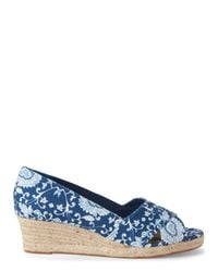Ellen Tracy - Blue Printed Kandi Wedge Sandals - Lyst