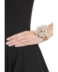 Oscar de la Renta - Natural Resin Swirl Flower Bracelet - Lyst