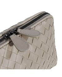 Bottega Veneta | Natural Cosmetic Case Portatrucco Braided Zip Medio | Lyst