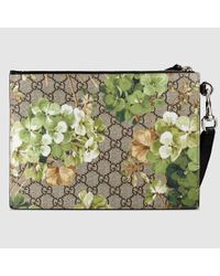 a17de61e61fd88 Gucci Gg Blooms Pouch With Strap in Green - Lyst