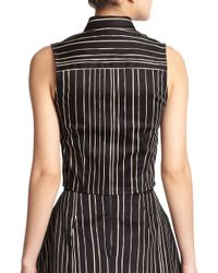 Alice + Olivia - Black Lea Cropped Sleeveless Button-down Shirt - Lyst