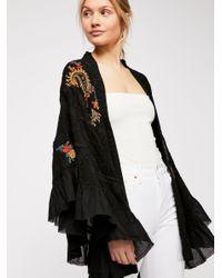 1bb3a1762 Free People Dottie West Kimono in Black - Lyst