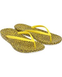 Fitflop - Iqushion Ergonomic Flip Flops Yellow Bubbles - Lyst