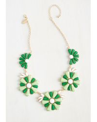 Cara | Green Retro And Columns Necklace | Lyst