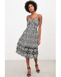 Elliatt - Paradise Black + White Lace Midi Dress - Lyst