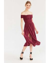 95a39a4d0685 Kimchi Blue Picnic Smocked Off-the-shoulder Midi Dress in Red - Lyst