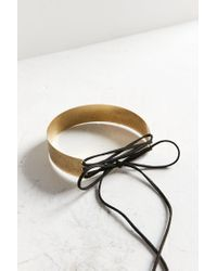 Urban Outfitters - Metallic Fern Lace-up Choker Necklace - Lyst