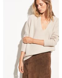 Vince - Natural Raglan Wool And Cashmere Double V-neck - Lyst