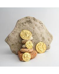 PASCALE x JAMES LONDON | Metallic Orogenesis Mini Moon Earrings Gold | Lyst