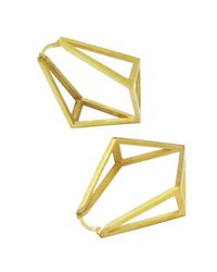 Stephanie Bates | Metallic Gold Inverted Kite Hoop Earrings | Lyst