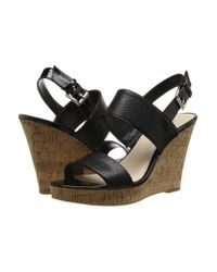 Nine West | Black Daelyn Leather T-strap Sandals | Lyst