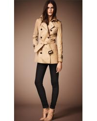 Burberry The Kensington Short Heritage Trench Coat - Lyst