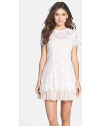 Betsy & Adam Short Sleeve Lace Fit & Flare Dress - Lyst