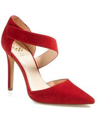 Vince Camuto Women'S 'Carlotte' Pointy Toe Pump - Lyst