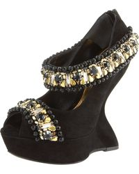 Alexander McQueen Jeweled Finned-wedge Pump black - Lyst