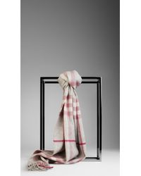 Burberry Check Cashmere Scarf pink - Lyst