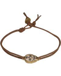 Me&Ro - Gold Small Scrimshaw Skull Bracelet - Lyst