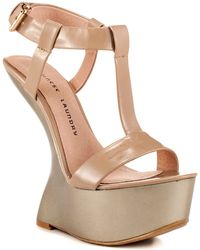 Chinese Laundry Controversy beige - Lyst