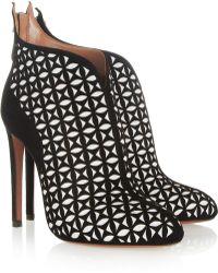 Alaïa Lasercut Suede Ankle Boots - Lyst