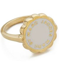 Marc By Marc Jacobs - Enamel Scalloped Disc Ring - Talc - Lyst