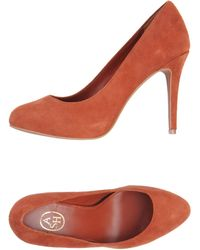 Ash Orange Pump - Lyst
