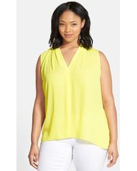 Vince Camuto Pleat Front V-Neck Sleeveless Blouse - Lyst