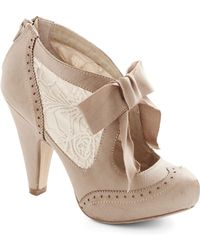 ModCloth Drama Director Heel in Taupe - Lyst