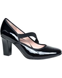 Taryn Rose Carlynne Patent Leather Pumps - Lyst