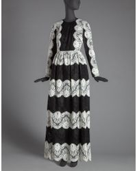 Dolce & Gabbana | Long Dress In Black And White Scalloped Lace | Lyst