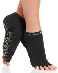Calvin Klein Yoga Split Toe Anklet Sock - Lyst