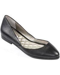 Me Too Betti Leather Flats - Lyst