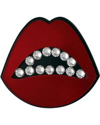 Jennifer Loiselle Sealed With A Kiss Acrylic Brooch In Red - Lyst