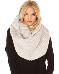 AKIRA - Chunky Purl Knit Infinity Scarf In Ivory - Lyst