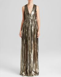 Alice + Olivia Maxi Dress - Issa Pleated Metallic - Lyst