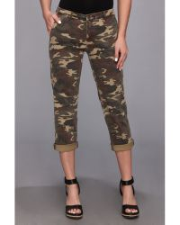 Kut From The Kloth Gwen Camo Crop in Olive - Lyst