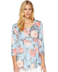 Nally & Millie - 3/4 Sleeve Blue Pink Roses V-neck Tunic - Lyst