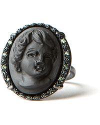 Amedeo - Peridot Cupid Ring - Lyst