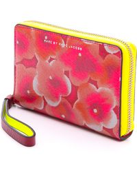 Marc By Marc Jacobs Sophisticato Aki Floral Wingman Knockout Pink Multi - Lyst