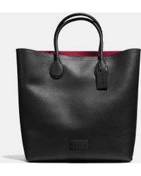 Coach Unlined Mercer Tote In Pebble Leather black - Lyst