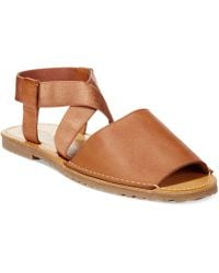 Kenneth Cole Reaction Away Lay Sandals brown - Lyst