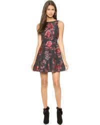 Alice + Olivia Alice  Olivia Jorah Box Pleat Floral Dress - Blackmulti Floral - Lyst
