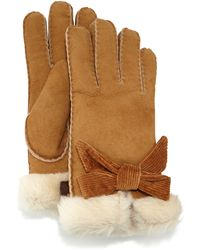 Ugg Bailey Shearling Fur Bow Gloves - Lyst