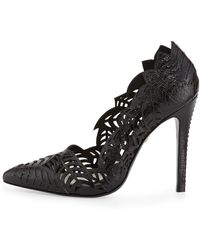 Alice + Olivia Dina Stamped Floral-cutout Pump - Lyst