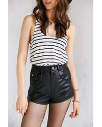 Pins And Needles Vegan Leather Highrise Short - Lyst