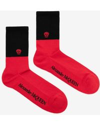 Alexander McQueen - Red And Black Skull Socks - Lyst