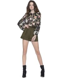 Alice + Olivia - Conry Pleated Shorts - Lyst