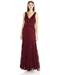 Vera Wang - Lace Gown With Vneck - Lyst