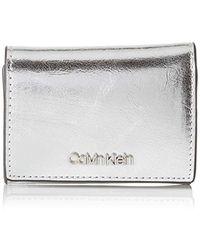 Calvin Klein - Small Wallet Met, Wallet, Grey (silver), 1x10.5x7.5 Cm (b X H T) - Lyst